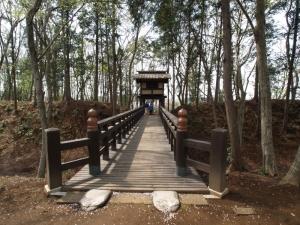 逆井城櫓門と橋